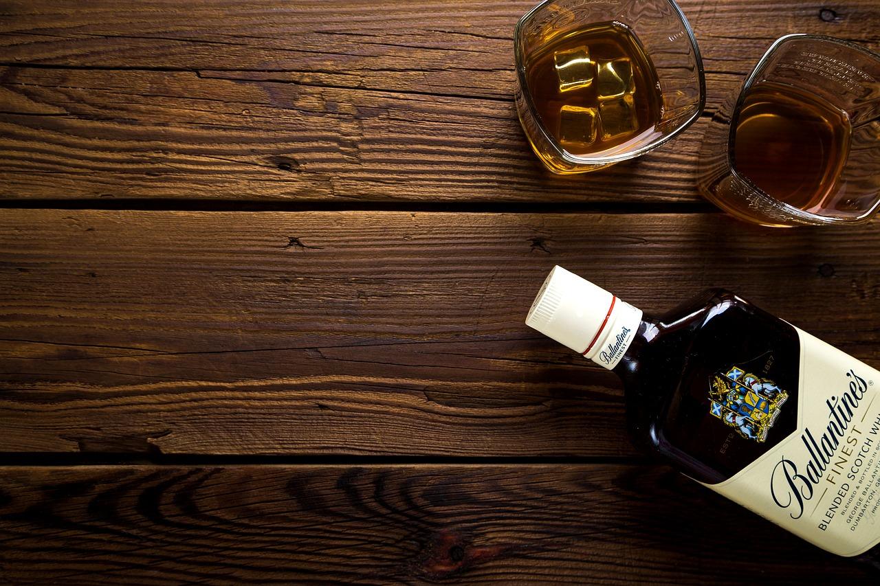 Vybavenie barov a ochutnávok alkoholu